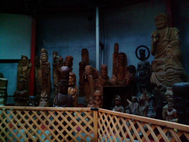 木彫りの像達