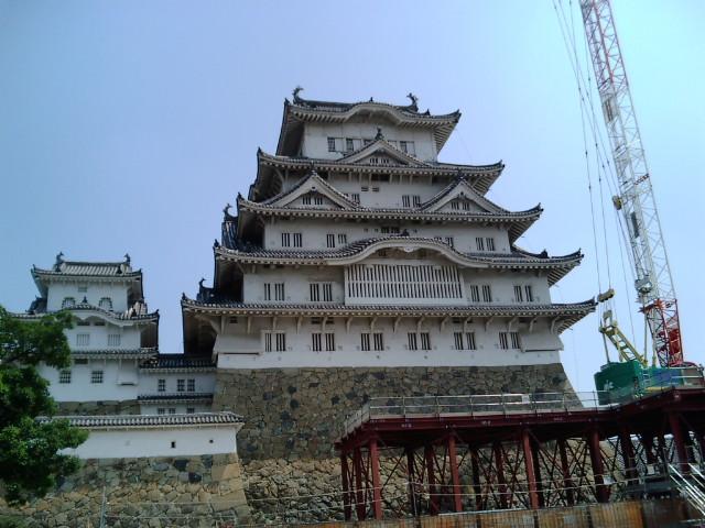 姫路城の天守は工事中