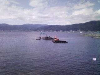 諏訪湖で工事