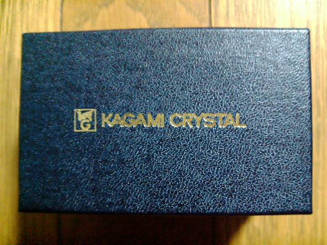 カガミクリスタルのストレートグラスの外箱