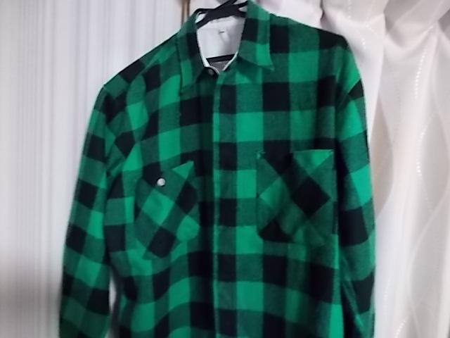 緑と黒のチェック柄