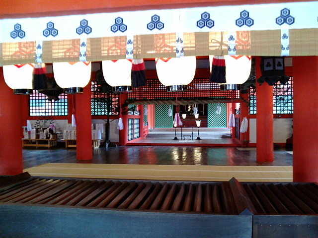 厳島神社本堂