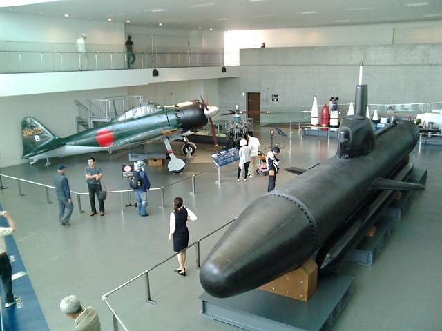 航空機と潜水艦