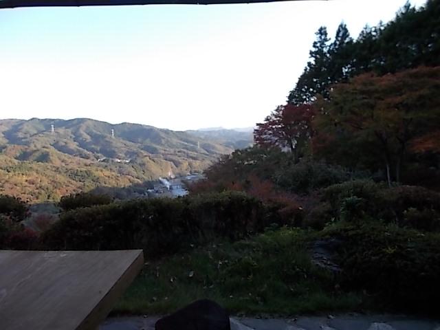 ちょっと紅葉の山並み