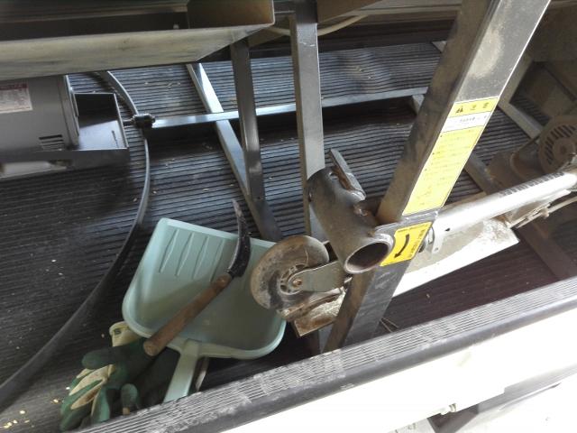籾カゴの半円内はモーター移動範囲