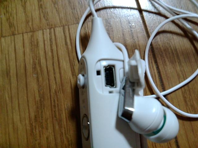 DR-BT100CXPの充電端子